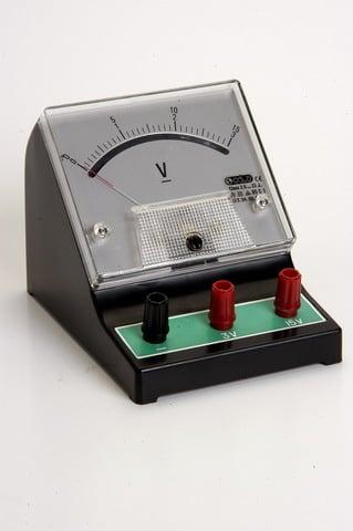 http://www.macrol.com/images/urunler/Laboratuar_Malzemeleri/genel_malzemeler/voltmetre.jpg